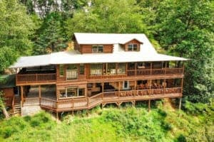 Tennessee Treasure large cabin in the Smoky Mountains