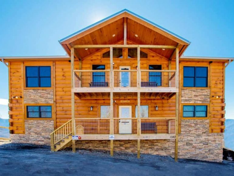 5 Reasons Why People Rent Large Cabins in Gatlinburg TN