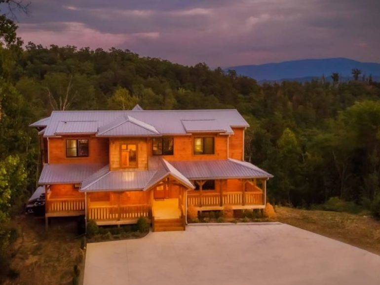Top 5 Reasons Our Cabins in the Smokies are Perfect for Family Reunions